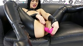 Round Cedrick Faux-cock smashing Roxee Couture's tight, young, humid fuckbox
