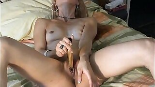 Italian Nubile in Rapture Painless She Strokes Alone