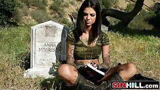 Soldiers Girl Bonnie Rotten Gets Ass-fucked